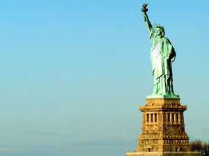 Statue of Liberty Photo powerpoint template